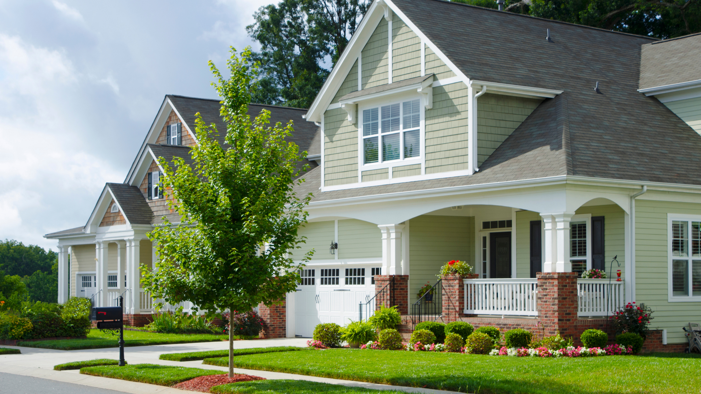 What's the Difference between HOA and CDD?